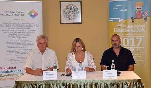 Győrvári Márk, Pohl Marietta és Végh Gábor a sajtótájékoztatón