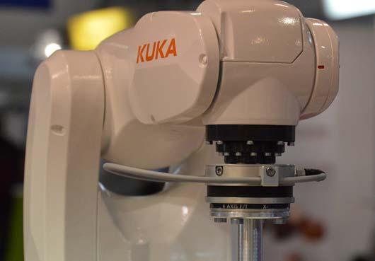 OptoForce szenzor a KUKA KR 3 AGILUS roboton az Automotive Hungary kiállításon.